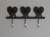 Metal Triple Heart Hooks