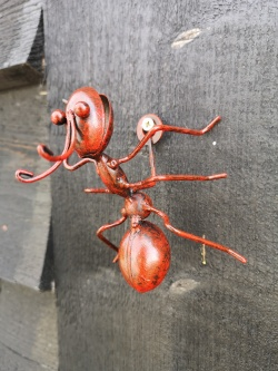 Set of 3 Metal Fun Wall Mounted Red Ants Garden Home Fence Bugs Animals